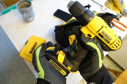 ergodyne-925wp-gloves-civilgear-055