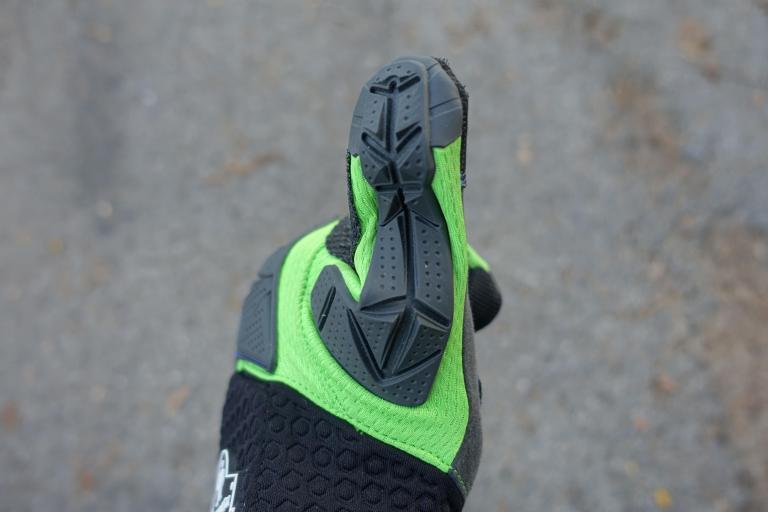 ergodyne-925wp-gloves-civilgear-129