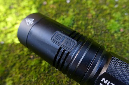 nitecore-r40-flashlight-civilgear-038