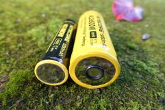 nitecore-r40-flashlight-civilgear-101
