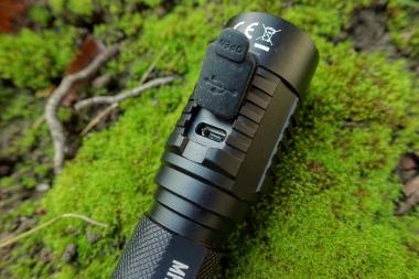 Nitecore MH23 Flashlight Review CivilGear 004