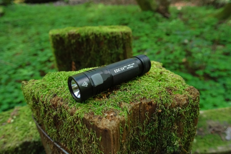 FOLOMOV EDC-C4 Flashlight Review CivilGear 000